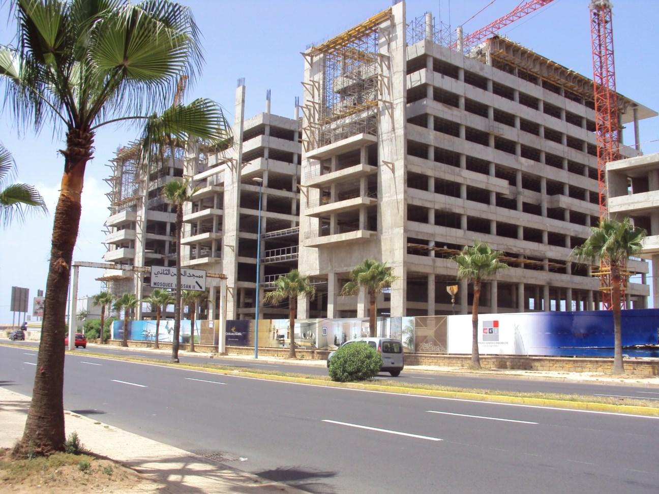 Clădiri noi în construcție
