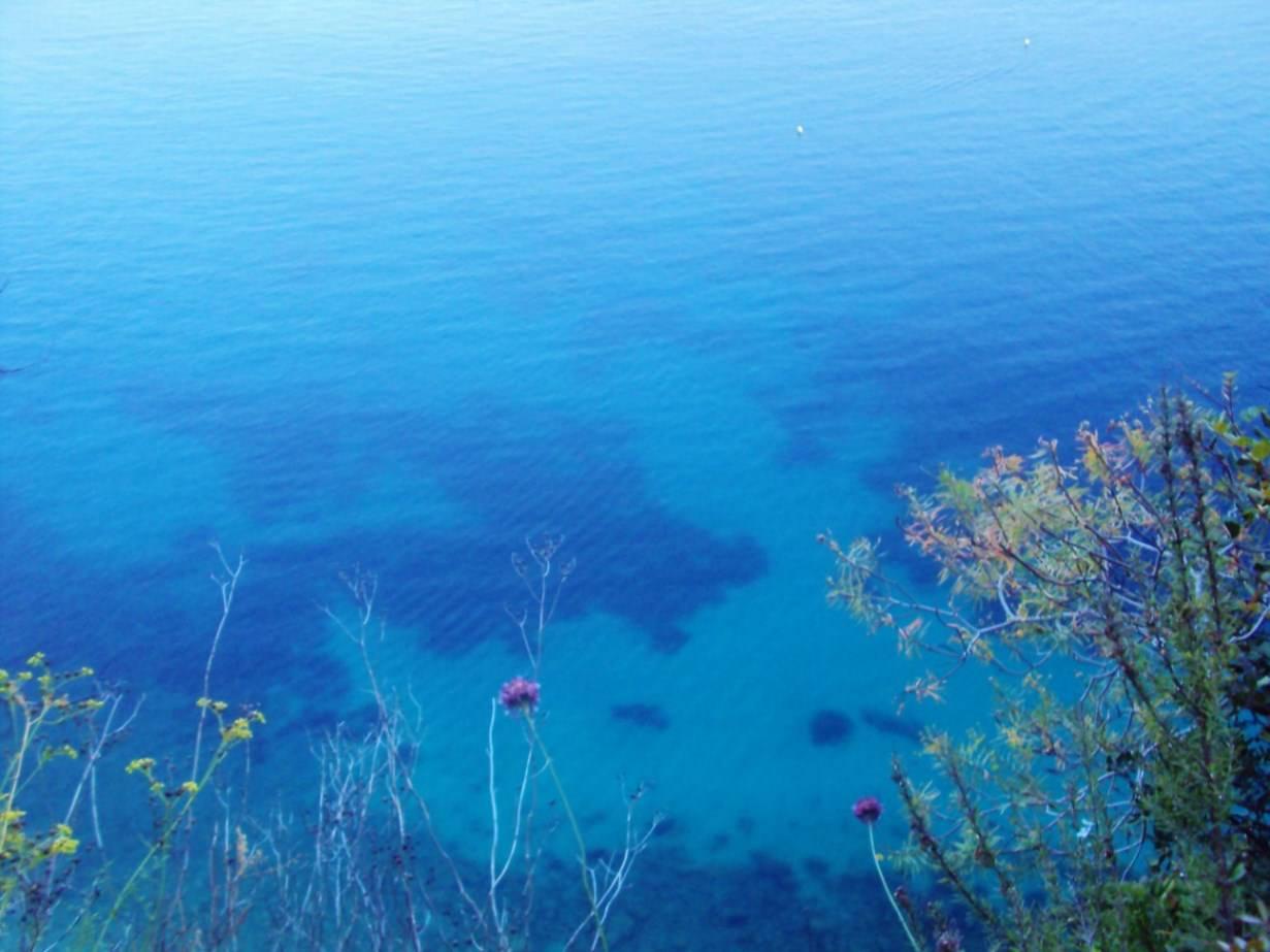 Coasta de Azur apa