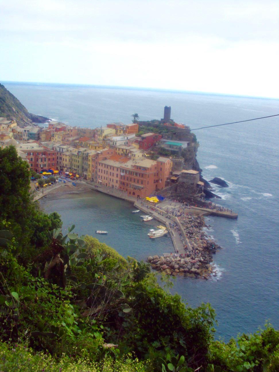 Vernazza vedere de pe traseul spre Monterosso al Mare