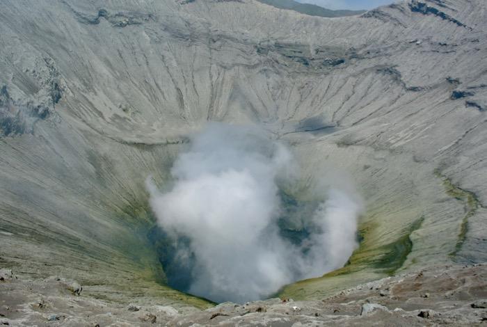 Catarat fara ghizi pe un vulcan din Indonezia Muntele Bromo1 4