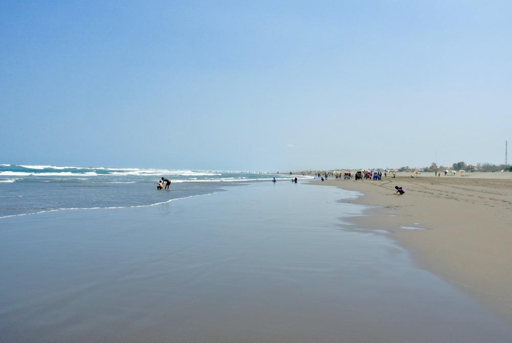 Plaja Parangtritis Yogyakarta: la plajă cu indonezienii 10