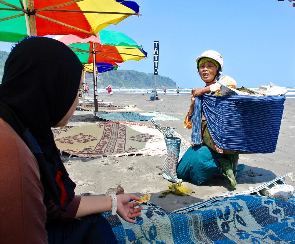 Plaja Parangtritis Yogyakarta: la plajă cu indonezienii 3