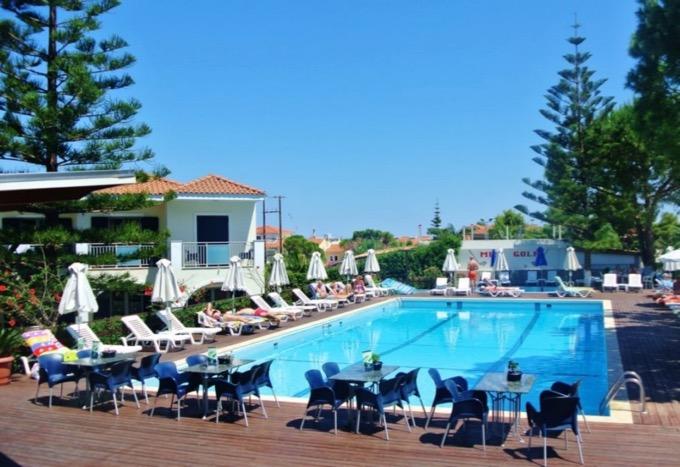 piscina hotel contessa argassi zakynthos