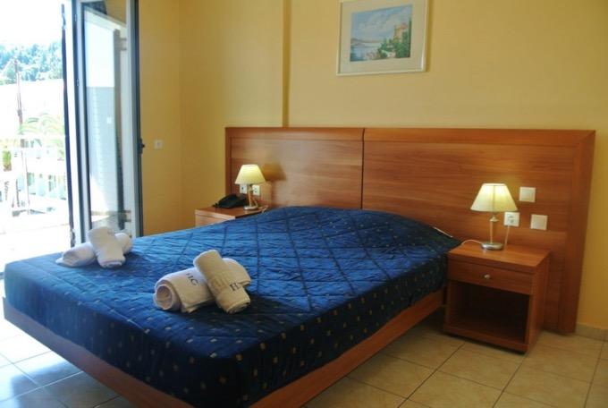 Statiunea Argassi Zakynthos plaja hotel contessa2 camera