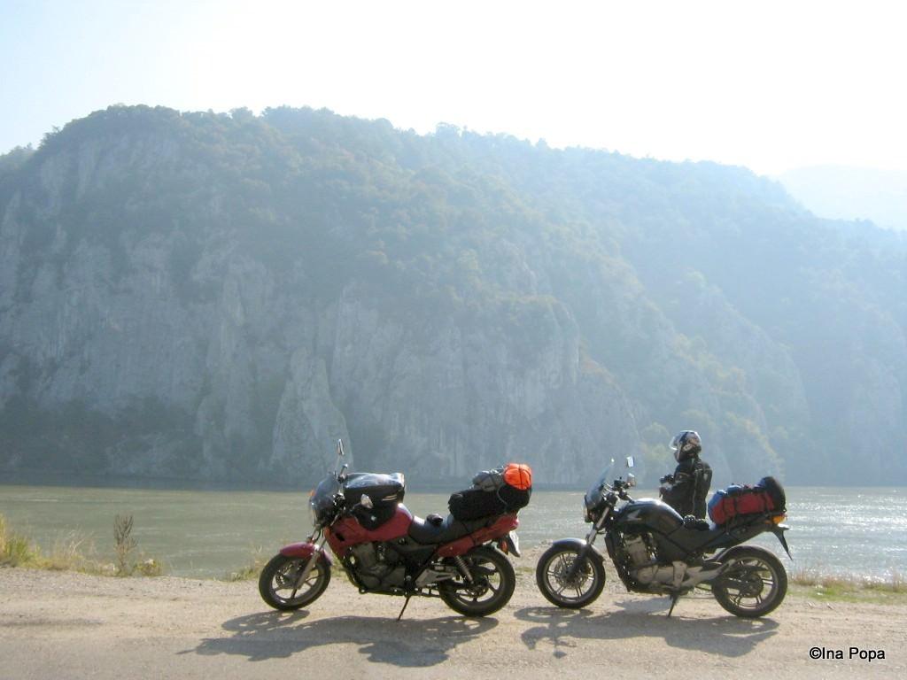 inceputuri, tura prin Romania