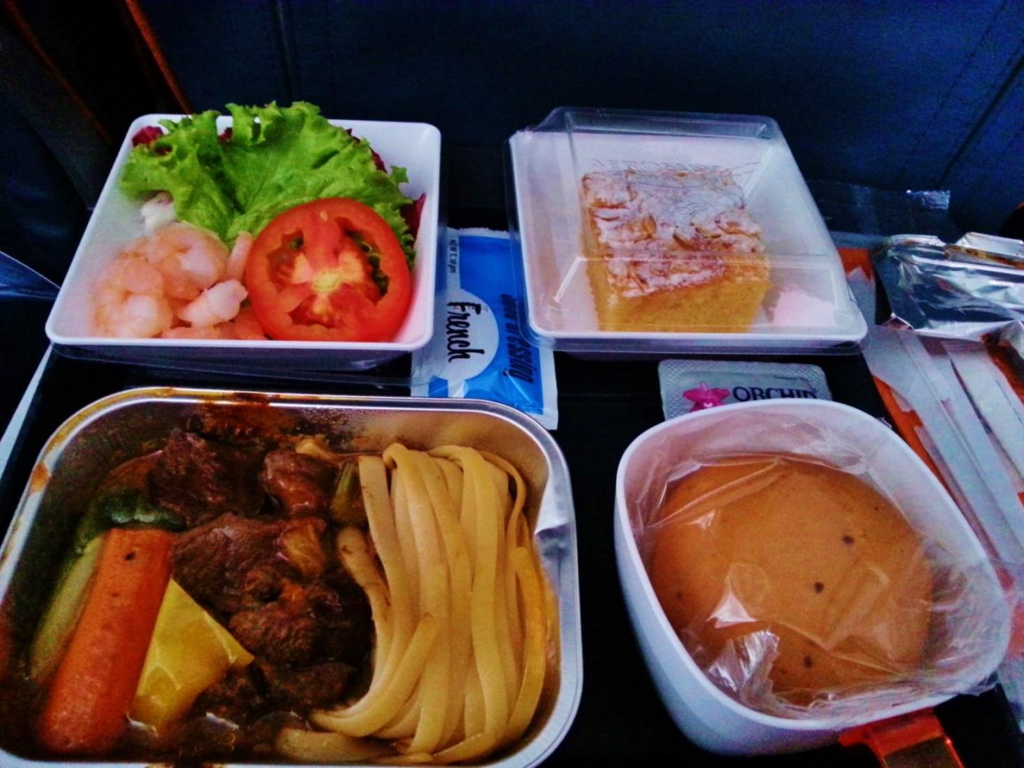 Zbor Aeroflot escala Moscova 4 catering