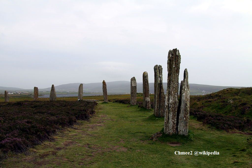 1024px-Ring_of_Brodgar_in_summer_2012_(3)