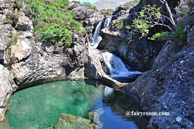 fairyroom_fairy-pool-of-skye