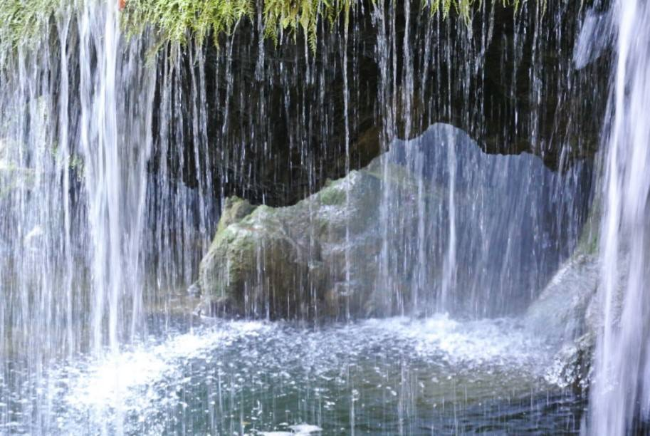Cascada Bigar 10