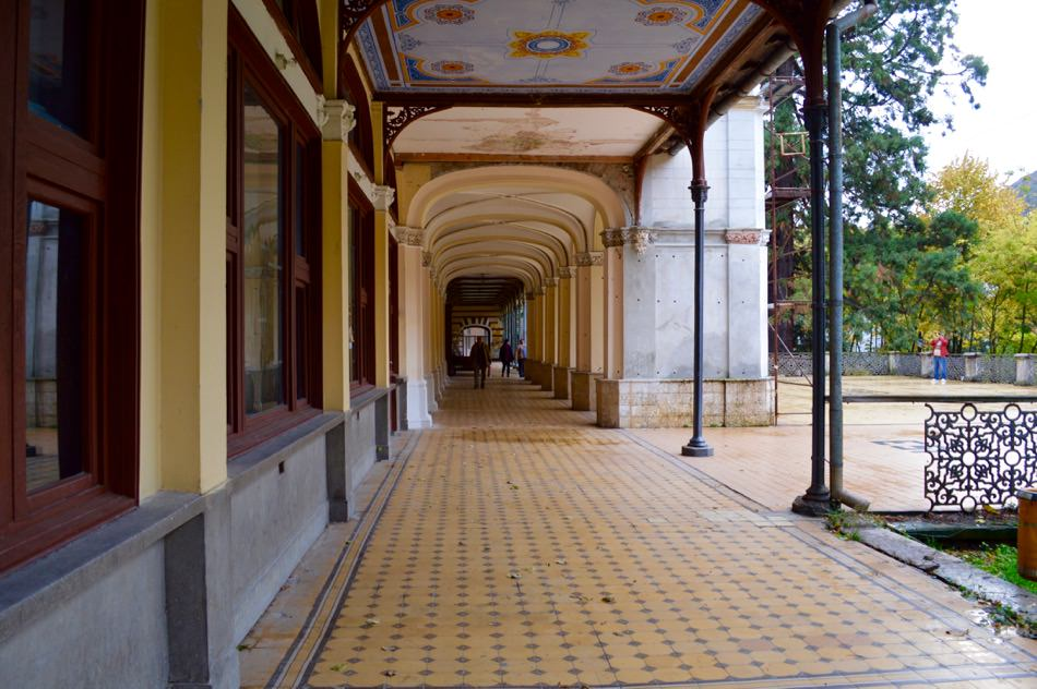 baile-herculane-toamna-centrul-vechi-natura24