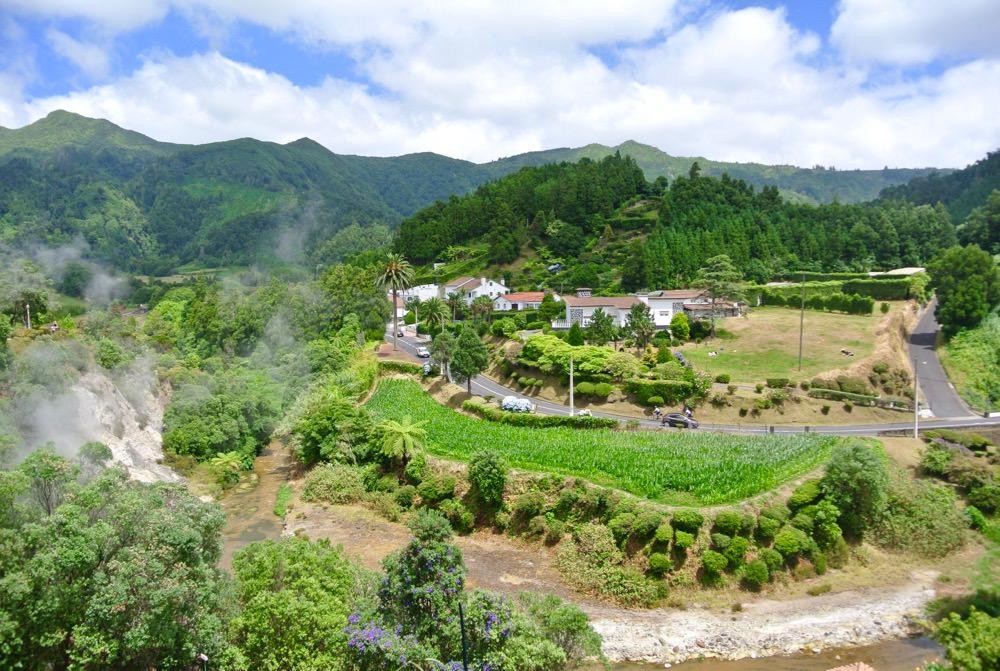 peisaje-natura-insulele-azore-vulcani-lacuri-hortensii13
