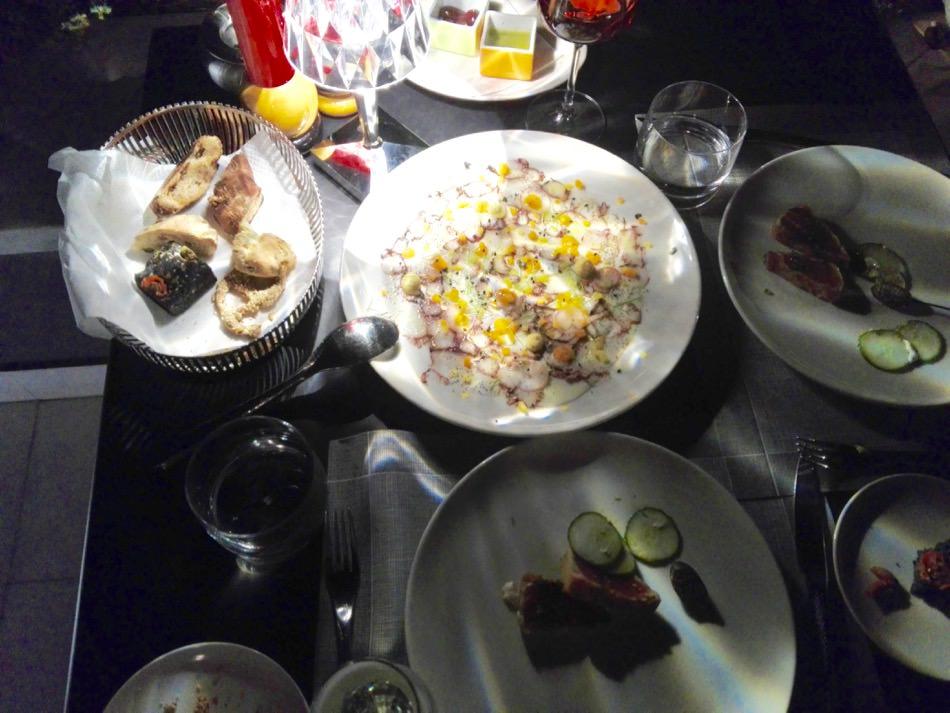 Carpaccio de caracatiți și ton