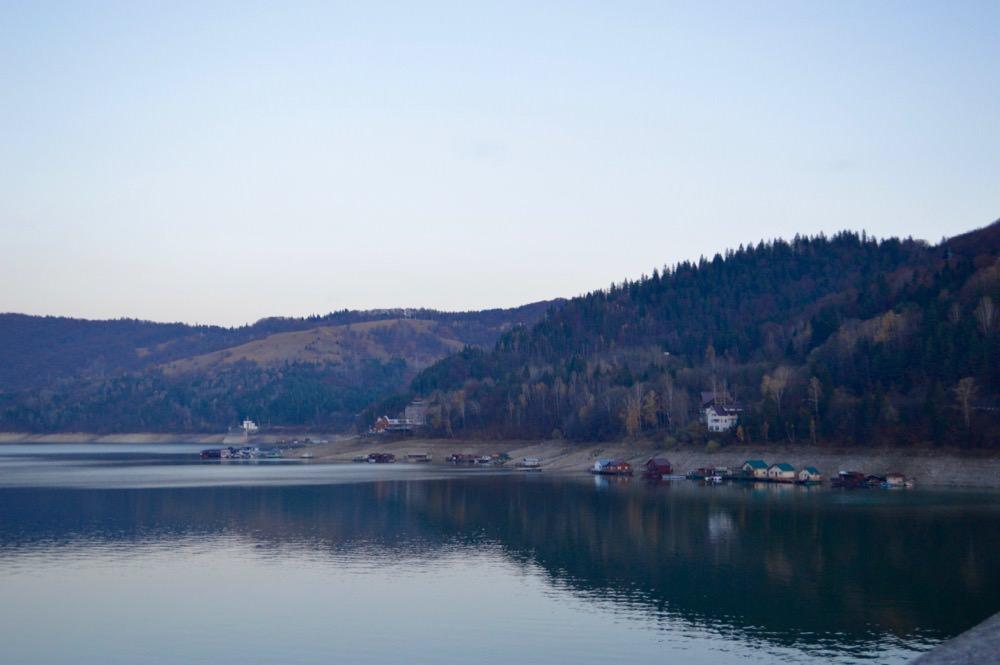 barajul-bicazului-lacul-izvorul-muntelui1