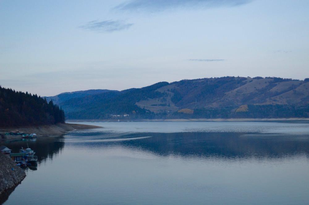 barajul-bicazului-lacul-izvorul-muntelui7