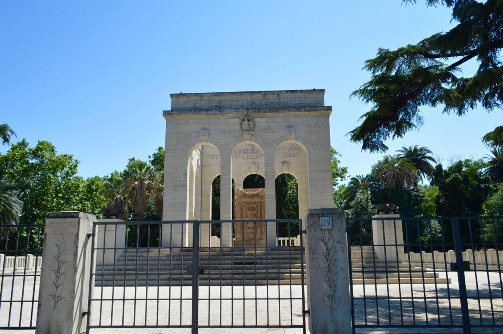Trastevere, Roma: Mausoleul lui Ossario Garibaldino