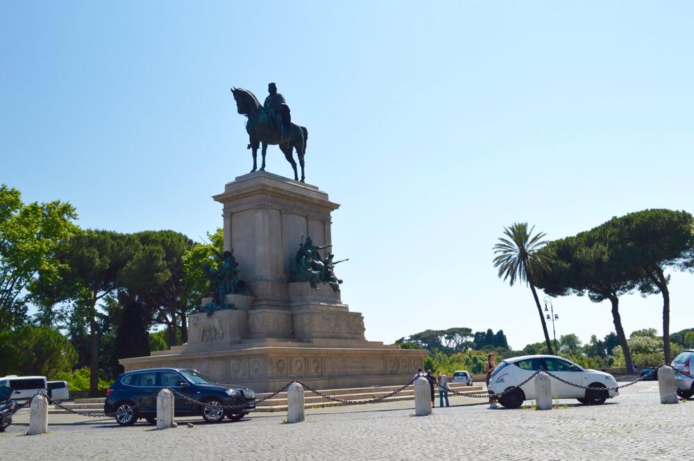 Trastevere, Roma, Monumentul lui Garibaldi