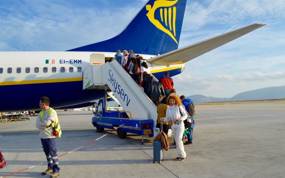 zbor-atena-bucuresti-ryanair-bilete-bagaje-extravita34