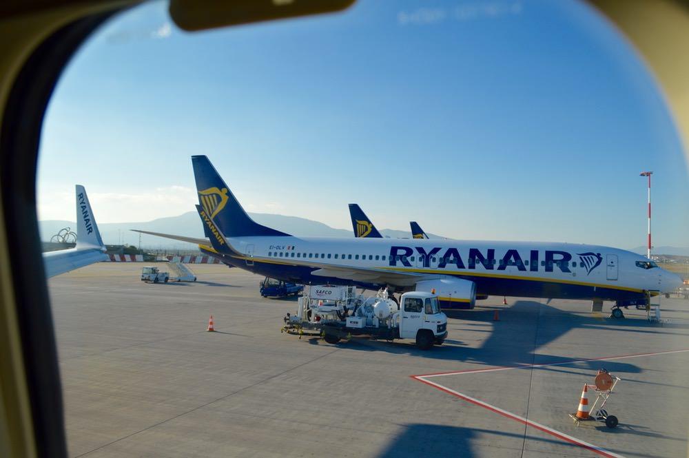 Pe pistă în Atena sunt multe avioane Ryanair
