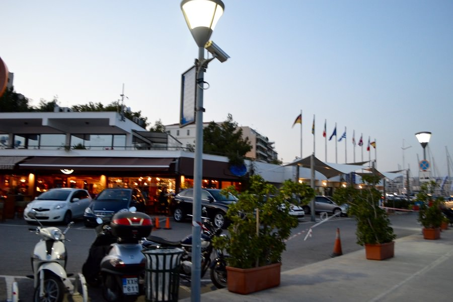 Portul Pireu Attica si porturile sale: Marina Zea baruri