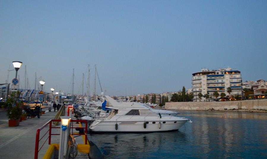 Portul Pireu Attica si porturile sale: Marina Zea 8
