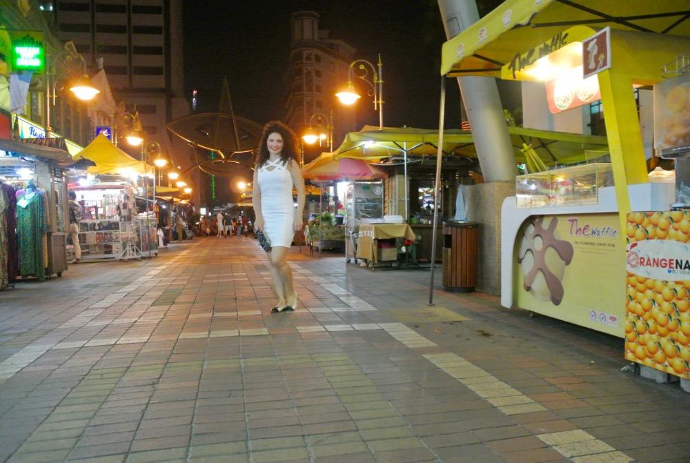 calatorit singura in Malaysia Kuala Lumpur strazile