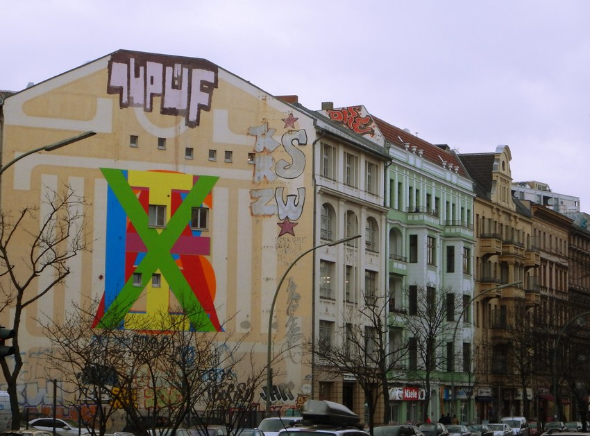 Graffiti in Berlin Kreuzberg 12