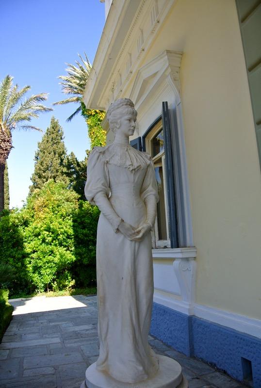 Palatul Achilleion din insula Corfu Statuie Sissi Elisabeta