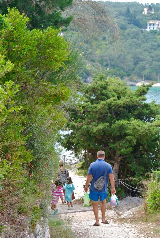Satul pescăresc Lakka din Paxos 30