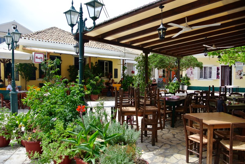 Satul pescăresc Lakka din Paxos 42