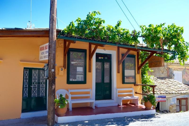 Baruri traditionale in insula Corfu: Panorama in Agios Markos 2