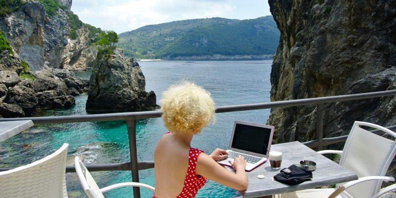 Cum sa iti protejezi laptopul MacBook in vacante5 13