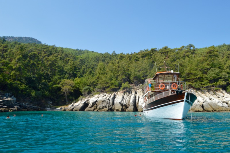 Plaja izolata Thassos Insula Krambousa 9 nava Zeus