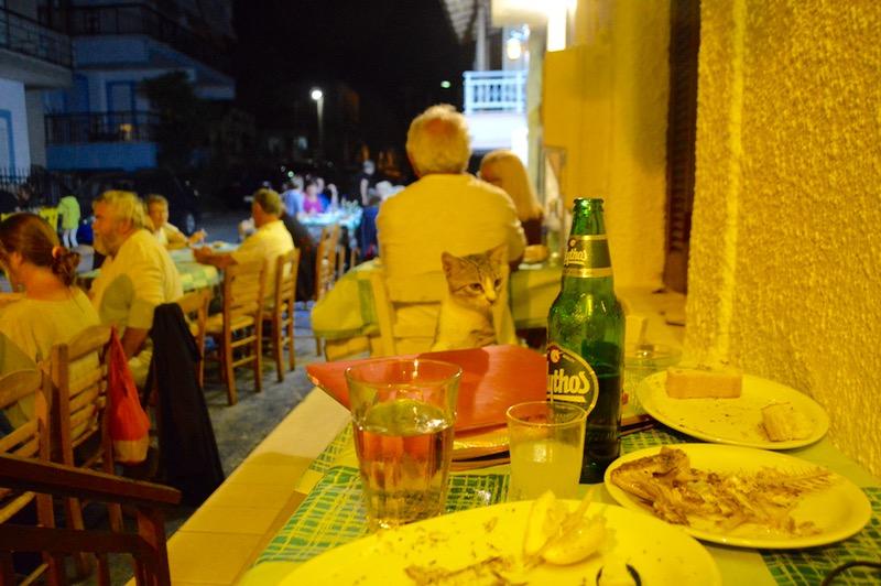 Taverna Koykoytsis Limenaria Thassos cina 3 pisici 2