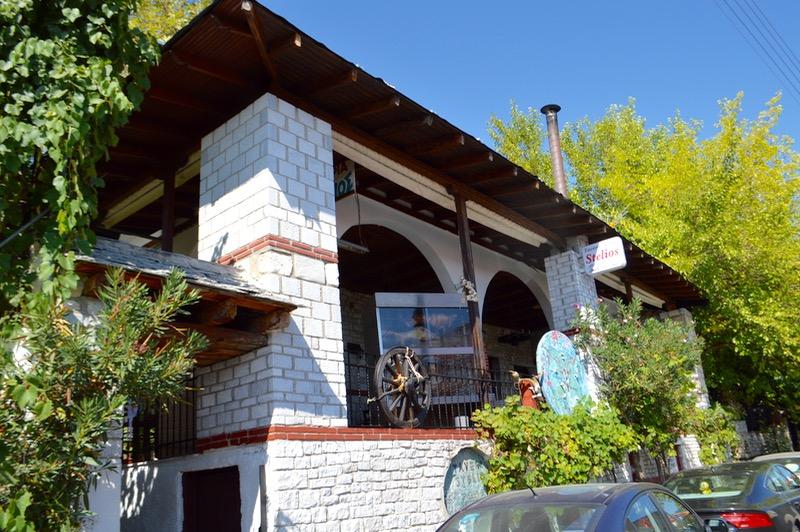 Locuri cu poveste: Miel rotisat la taverna Stelios Theologos Thassos