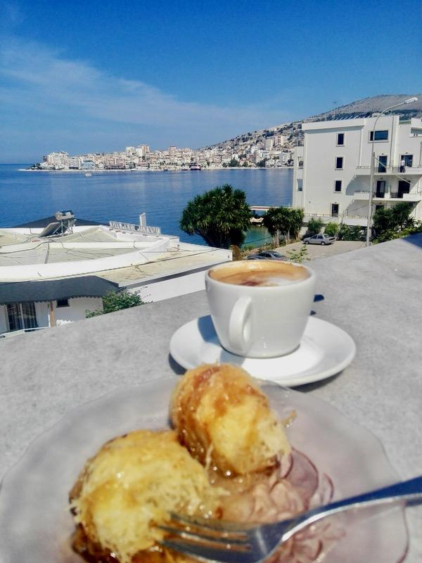 Excursie-optionala-insula-Corfu-Albania saranda aranda restaurant