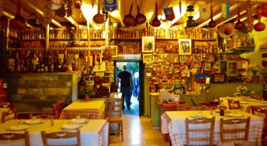 Taverna Tripa satul Kinopiastes Corfu 2
