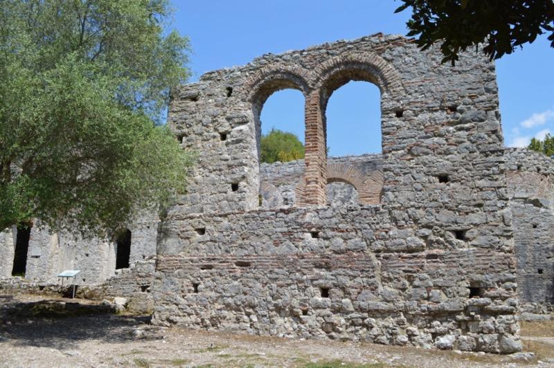 Situl antic Butrint Albania catedrala