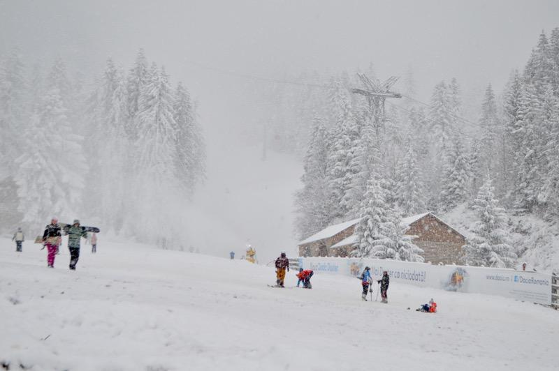 Poiana Brasov Iarna schi snowboard transport 18