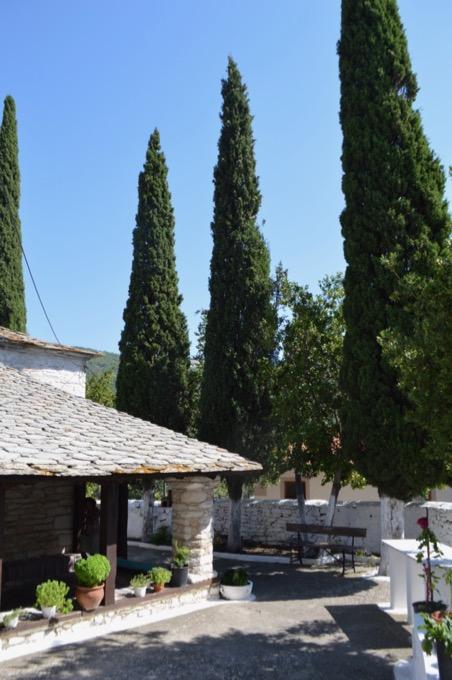 Satul Theologos Thassos Ghid de călătorie biserica