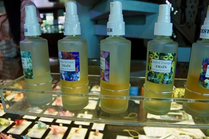 cumparaturi in Thailanda suveniruri Chiang Mai parfum orhidee