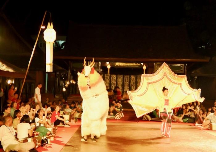 Khan Toke la Vechiul Centru Cultural Chiang Mai 2