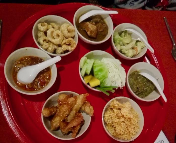 Cină Khan Toke la Vechiul Centru Cultural Chiang Mai 1