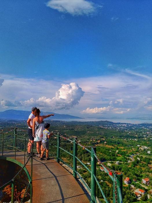 Tronul Kaiserului Pelekas Corfu sat 6