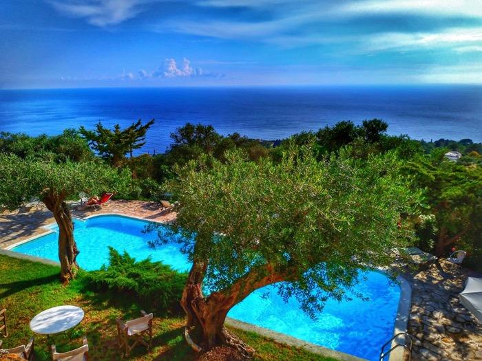 Tronul Kaiserului Pelekas Corfu sat 3