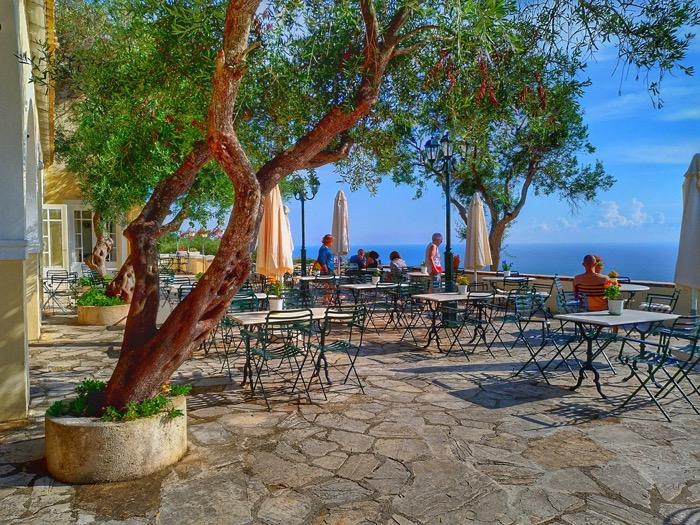 Tronul Kaiserului Pelekas Corfu sat 2