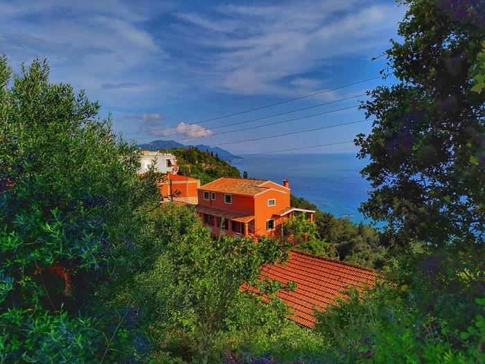 Tronul Kaiserului Pelekas Corfu sat 1