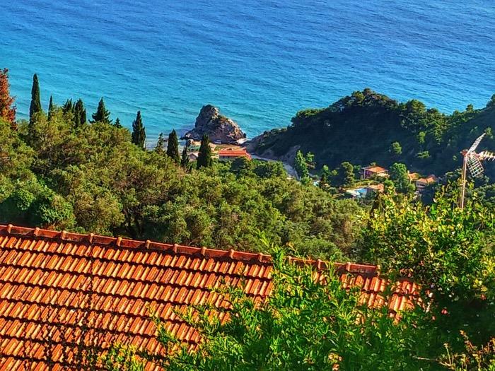 Tronul Kaiserului Pelekas Corfu sat