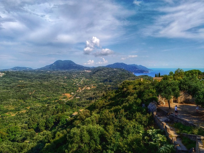 Tronul Kaiserului Pelekas Corfu sat 9