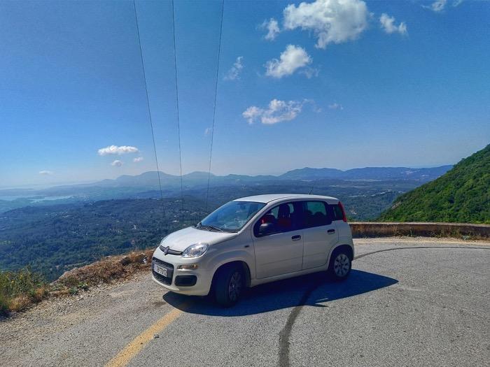 Condusul masinii insulele Grecia 3
