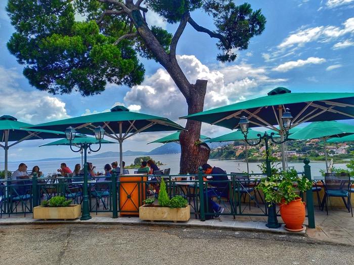 Trei hoteluri ideale pentru fotografii cu avioane în insula Corfu 7